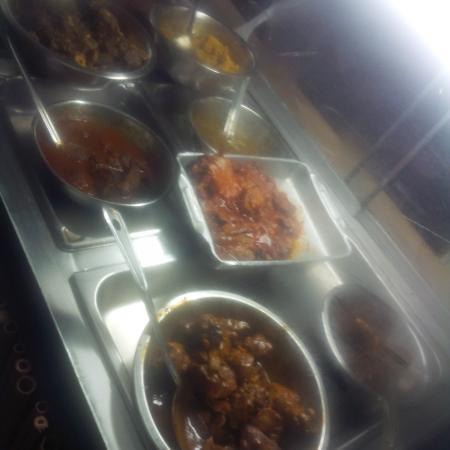Singh's Fast Food Restaurant: curry chicken, stew beef, stew chicken