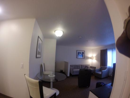 San Mateo SFO Airport Hotel: suite room
