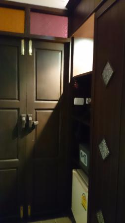 Sathu Boutique House: room door
