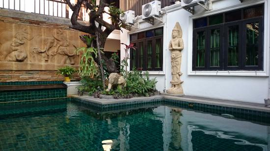 Sathu Boutique House: pool