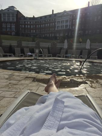 Clifton Forge, เวอร์จิเนีย: Relaxing in a bathrobe on December 21 at the Homestead Resort Spa (20 minutes away)