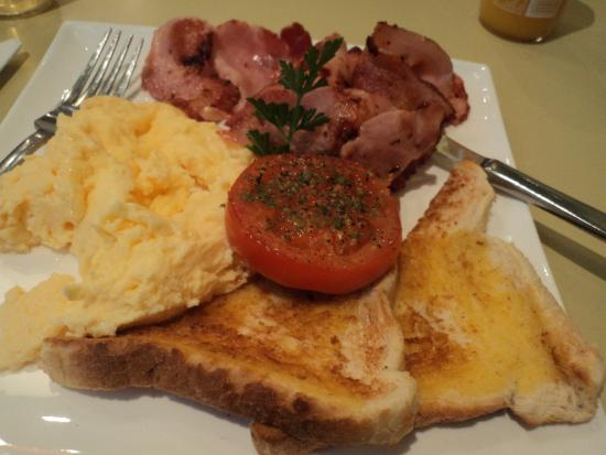 เกลนอร์ชี, ออสเตรเลีย: Bacon cooked to perfection