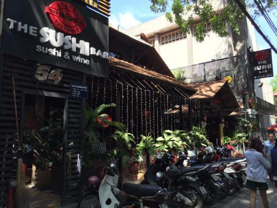 The Sushi Bar 3 : Main entrance outdoor