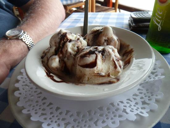 Riptide: Large portion of ice cream with chocolate sauce