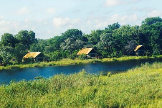 Lagoon Camp - Kwando Safaris: Aerial - Rooms