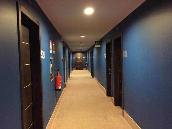 Corridoio quinto piano - Picture of B&B Hotel Milano Monza, Monza ...