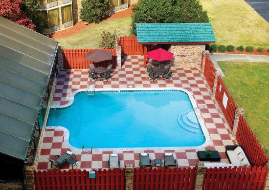 Doubletree by Hilton Hotel Murfreesboro: Outdoor Pool Aerial