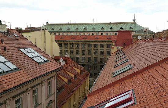 EA Embassy Prague Hotel: вид с балкона