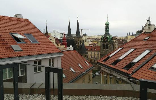 EA Embassy Prague Hotel: вид с балкона на достопримечательность