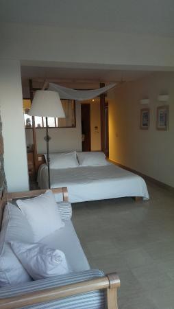 St. Nicolas Bay Resort Hotel & Villas: Zimmer