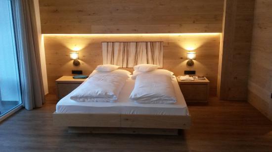 Wohn-/Schlafzimmer - Picture of Hotel Garni Dolomieu, Selva ...