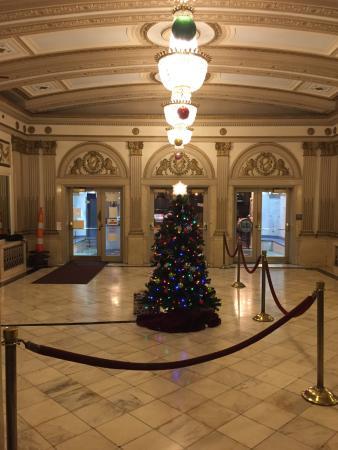 The Kentucky Theater : Entranceway