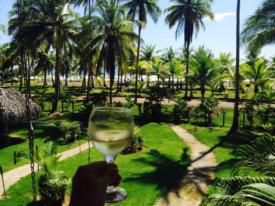 Cocomar Beachfront Hotel and Island Resort: Пью за новый год в Москве!
