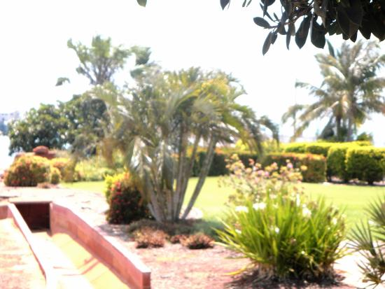 Broome Deep Water Wharf & Jetty: Gardens at the Wharf