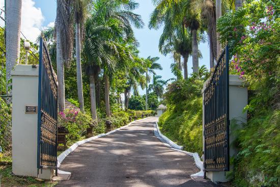 Silent Waters Villa entrance gate