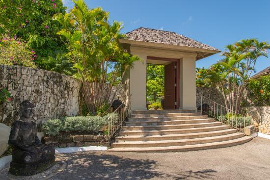 Silent Waters Villa entrance to villa