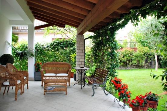 Porticato foto di casa speri peschiera del garda for Design del portico di casa