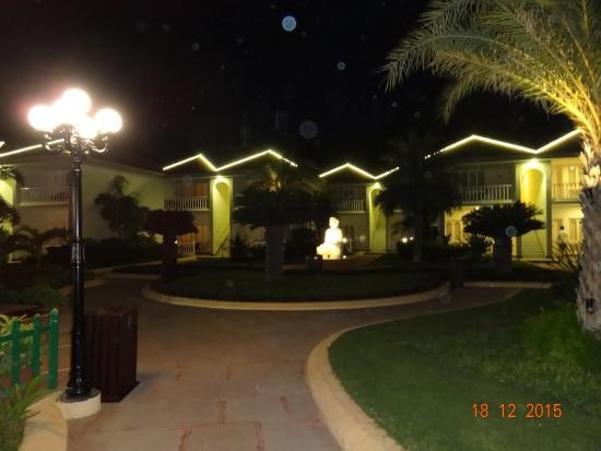 Radhika Beach Resort: Night view
