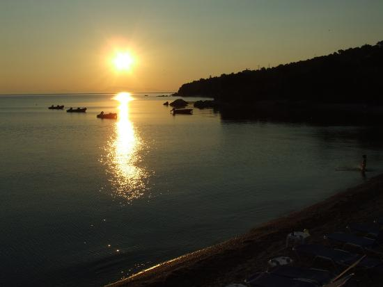 Chorto, Grecia: Sunset from beach area