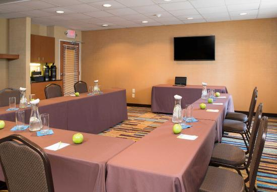Reynoldsburg, OH: Meeting Room - U-Shape Setup