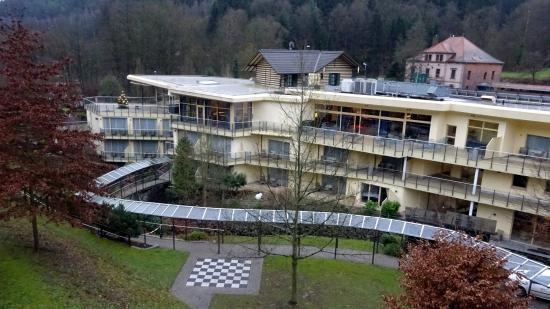 Hotel Villa Marburg im Park: Frühmorgens am Balkon von Zimmer 43