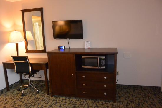 Days Inn Lakewood South Tacoma: Deluxe Room Renovated