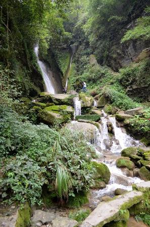 Jishou, Chine : Каскад водопадов.