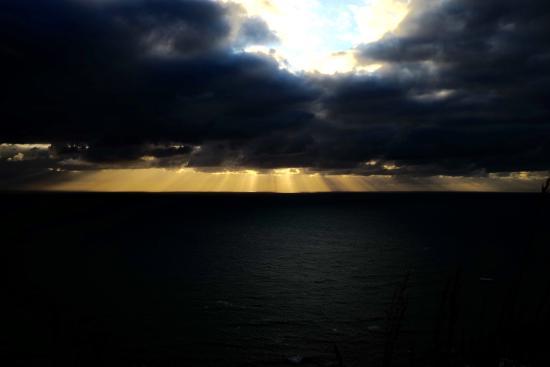 Mahia Beach, New Zealand: Sunset from Mokotahi