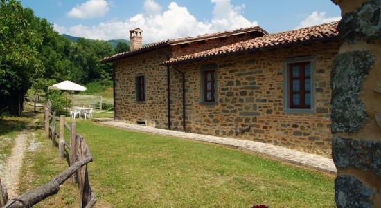 Castiglione di Garfagnana, Ιταλία: Abitazione Tramonti in pietra