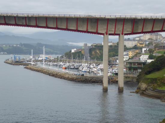 Vilela Ribadeo, Espagne : Puente de los Santos y el Puerto deportivo
