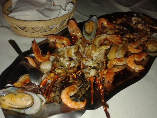 Marea Alta: Full plate of seafood. Superb!!