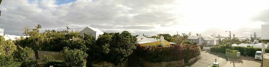 إدجهيل مانور جيست هاوس: View from balcony