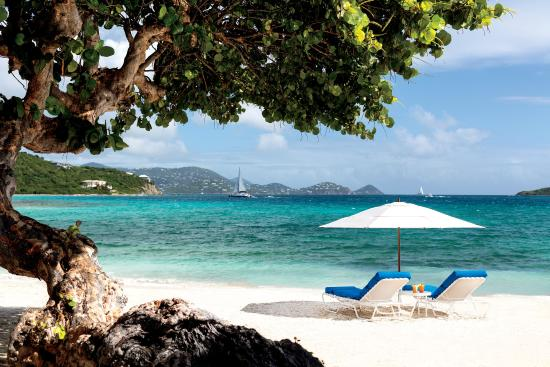 The Ritz-Carlton, St. Thomas: Beach with chairs