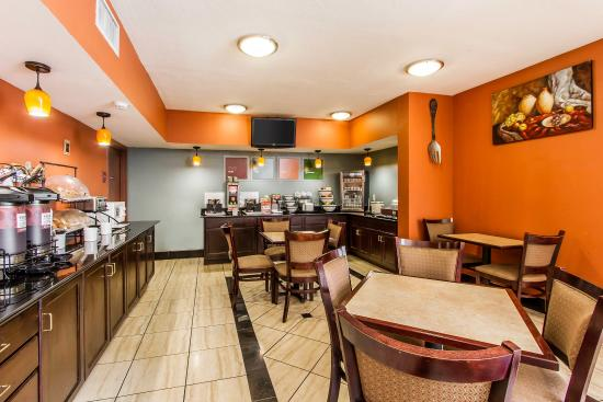 Lincoln, ألاباما: Breakfast Area
