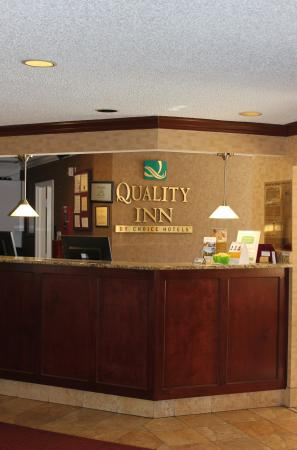 Quality Inn Medical Center Area: Lobby