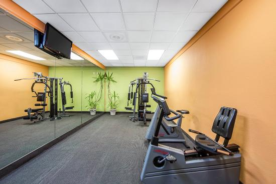 Clarion Inn Knoxville: Fitness center