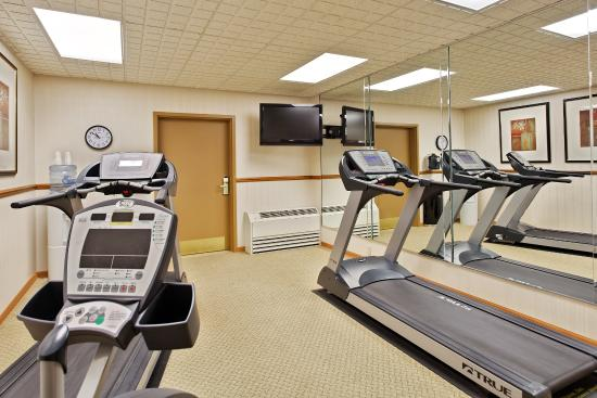 CountryInn&Suites Freeport FitnessRoom