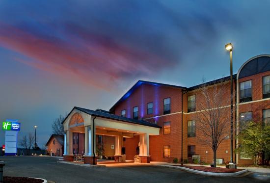 Photo of Holiday Inn Express Batesville