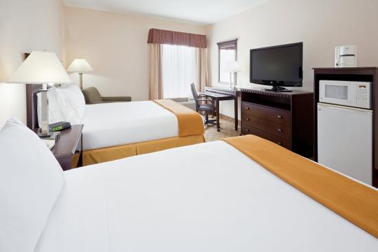 Carneys Point, NJ: Two Queen Beds Guest Room