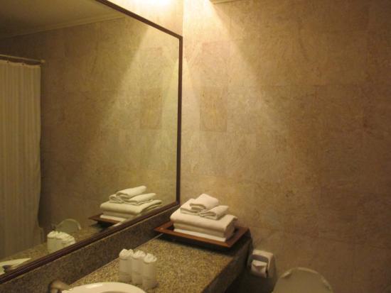 Sri U-Thong Grand Hotel: ของใช้ในห้องน้ำเบื้องต้น ครบ ครับ