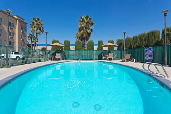 Holiday Inn Express Bakersfield (CA) - Hotel Reviews - TripAdvisor