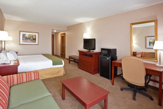 วิลมิงตัน, โอไฮโอ: This large room and bed is sure to please.