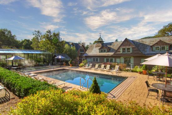 Castle hill resort and spa updated 2017 prices reviews vermont cavendish tripadvisor for Ludlow hotels with swimming pool