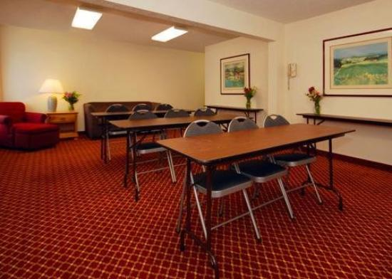Quality Inn Airport: Meeting Room