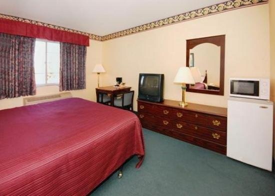 Quality Inn & Suites: Interior