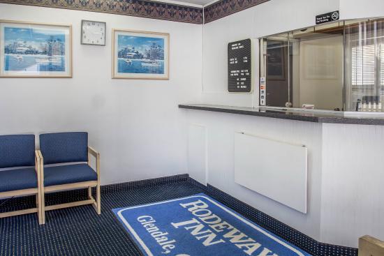 Rodeway Inn Regalodge: Interior