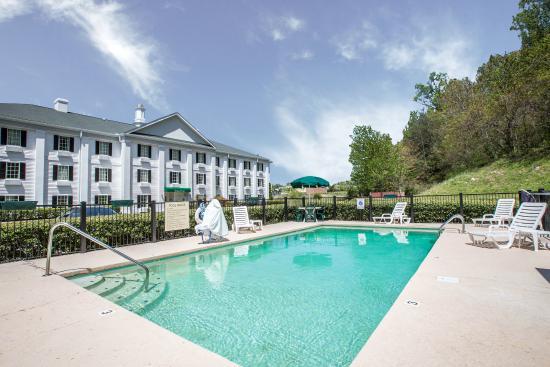 Greeneville, TN: Pool