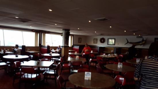 Oyster Bar Harlingen Tx: Oyster Bar .. Basic interior but clean