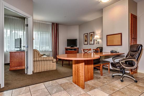 Oak Harbor, Waszyngton: One Bedroom Suite with One Queen Bed