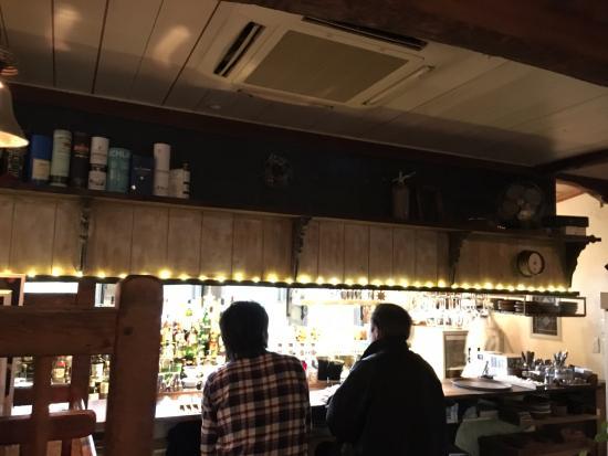 Yuki, ญี่ปุ่น: 店内。外が眺められていい感じだ